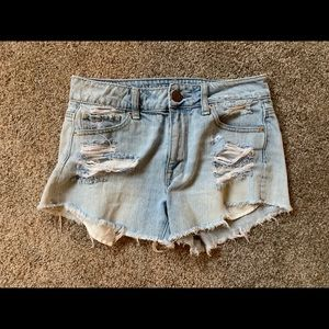 American Eagle Distressed Hight Waisted Shorts